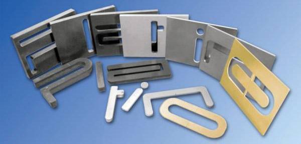 Stahl-Laserschneiden