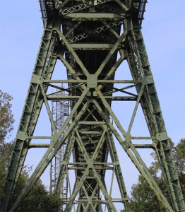 Brücke - Stahlkonstruktion